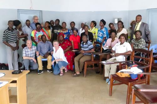 Docenten en cursisten van het lesprogramma dat in hoofdstad Brazzaville is gegeven